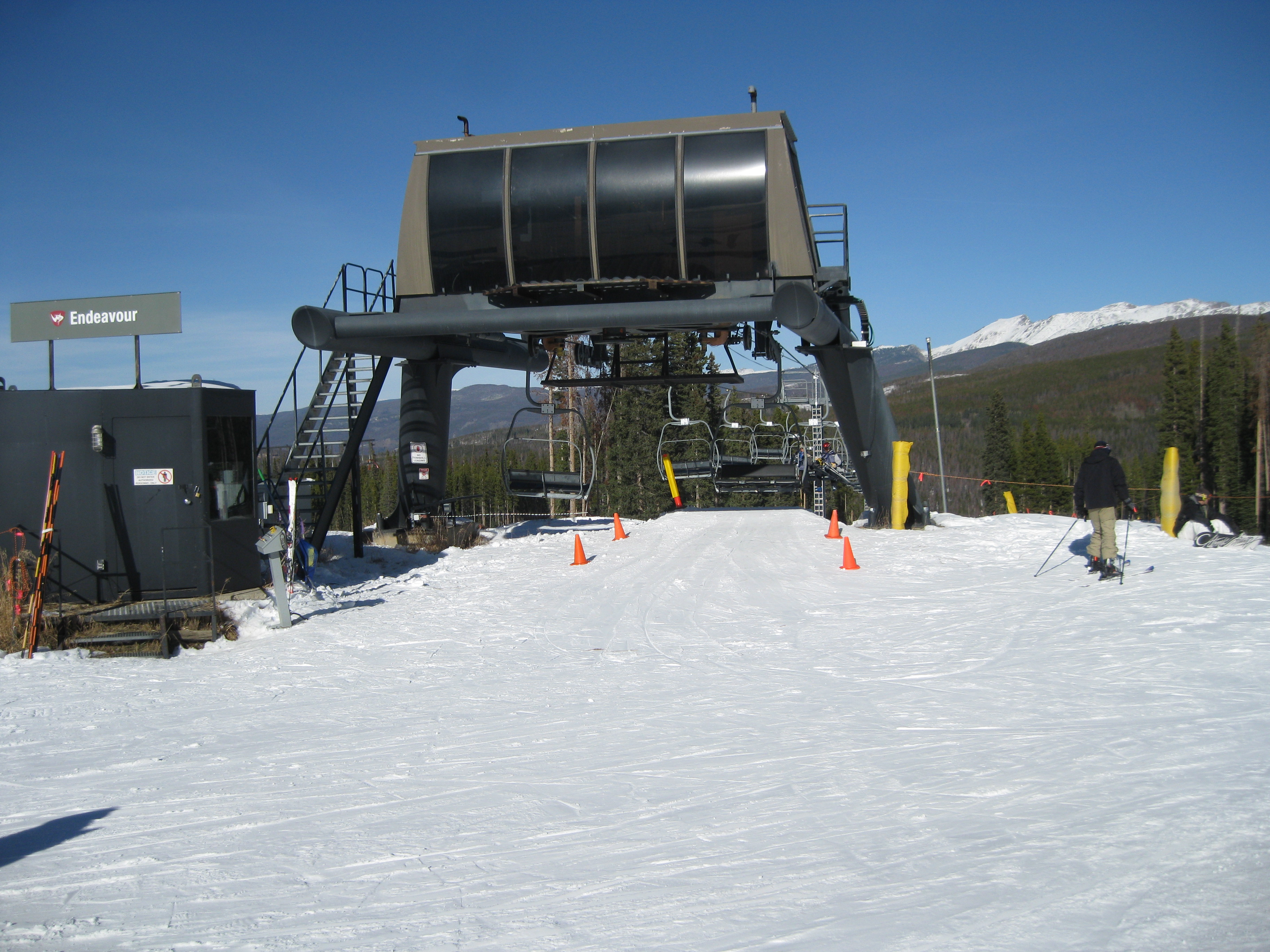 How to Get Off a Ski Lift with a Snowboard How to Get Off a Ski Lift with a Snowboard new foto